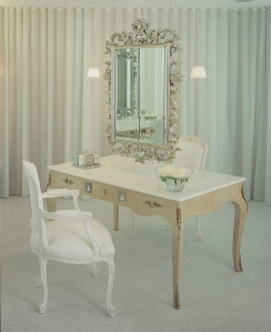 Agua Sanderson - Changing Room